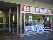 Titelbild Laden mit Großem Schaufenster
