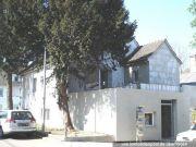 Titelbild Zwangsversteigerung Zweifamilienhaus mit Hallenanbau