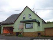 Titelbild Zwangsversteigerung Wohnhaus und Carport