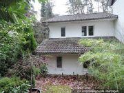 Wohnhaus als Wohnungseigentum und Weganteil