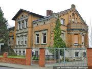 Titelbild Zwangsversteigerung Villa mit Nebengebäude