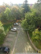 Garten mit Parkplatz