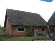 Titelbild Zwangsversteigerung Zweifamilienhaus mit Nebengebäude