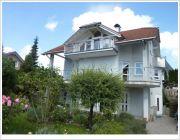 Titelbild BODENSEE NORD: Einfamilienhaus mit Einliegerwohnung mit Aussicht am Ende einer Sackgasse