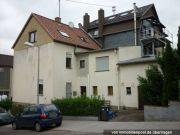 Titelbild Zwangsversteigerung Zweifamilienhaus und Straßenfläche