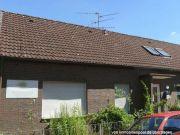 Titelbild Zwangsversteigerung Einfamilienhaus und zwei Grundstücksanteile