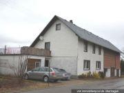 Wohnhaus, 4 unbebaute Grundstücke