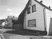 Titelbild Zwangsversteigerung Wohnhaus und div. Hallen