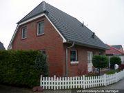 Titelbild Zwangsversteigerung Einfamilienhaus und Anteile an Straßenflächen