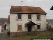 Titelbild Zwangsversteigerung Einfamilienhaus und 2 Landwirtschaftsflächen