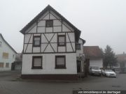 Einfamilienwohnhaus mit Scheune