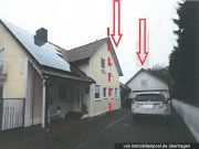 Titelbild Zwangsversteigerung Doppelhaushälfte und Anteil an Wegefläche
