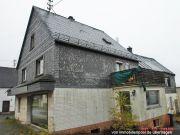 Titelbild Zwangsversteigerung Wohnhaus mit div. Nebengebäuden