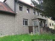 Doppelhaus mit Nebengebäude