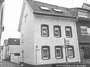 Titelbild Zwangsversteigerung Einfamilienhaus, Garagen