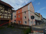 Mehrfamilienhaus und Scheune