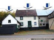 Einfamilienhaus und Scheune/Schuppen