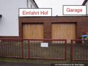 Einfahrt Hof, Garage