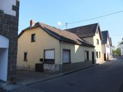 Wohn- und Nebengebäude