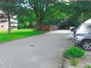 Stellplätze und Garage
