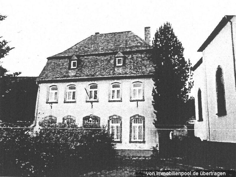 Zwangsversteigerung Einfamilienhaus mit Nebengebäuden