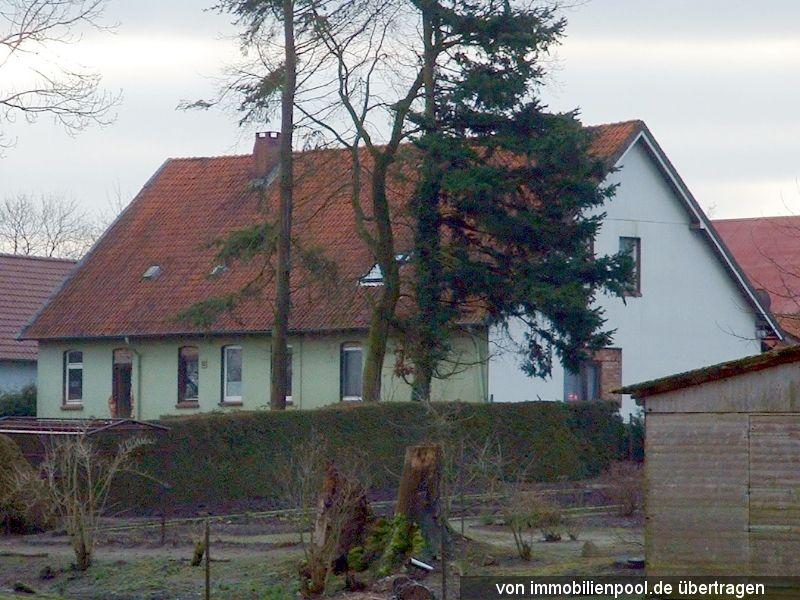 Zwangsversteigerung Wohnhaus mit Nebengebäuden