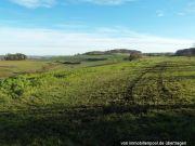 zwei Ackerlandflächen