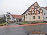 Titelbild Zwangsversteigerung Zweifamilienhaus mit Nebengebäuden