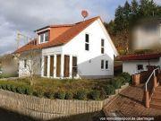 Titelbild Zwangsversteigerung Ein- bis Zweifamilienhaus und Verkehrsfläche