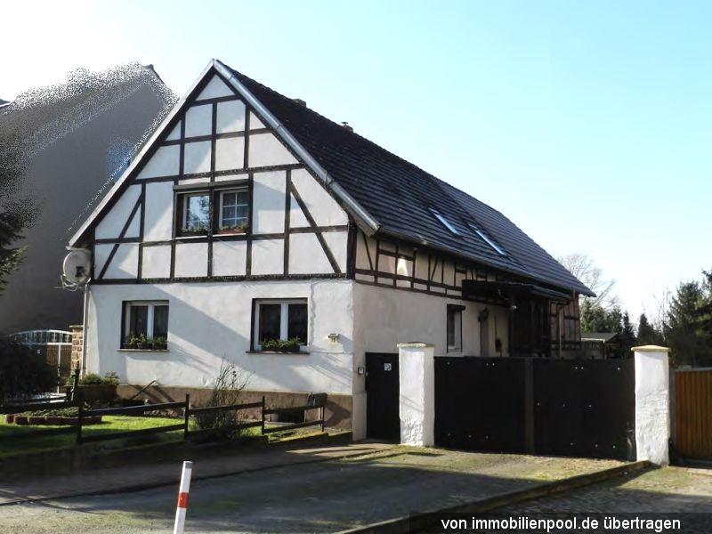 Zwangsversteigerung Einfamilienhaus mit Nebengebäude