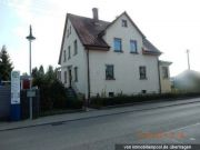Titelbild Zwangsversteigerung Einfamilienhaus und mit Schuppen bebautes Grundstück