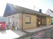 Titelbild Zwangsversteigerung Einfamilienhaus mit Einliegerwohnung