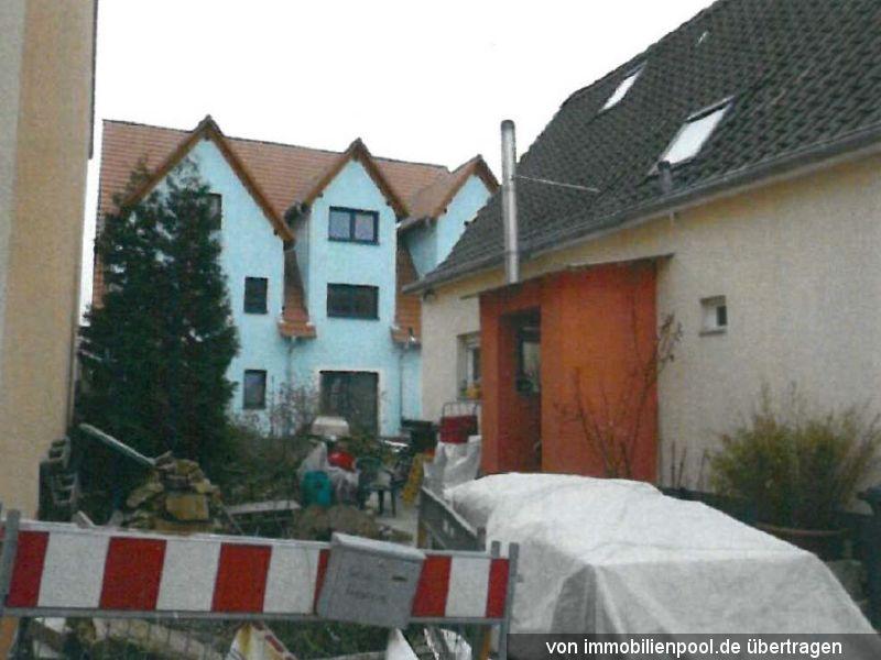 Titelbild Zwangsversteigerung zwei Wohnhäuser