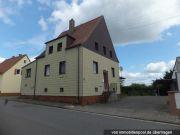 Titelbild Zwangsversteigerung Einfamilienhaus und Wohn- und Werkstattgebäude
