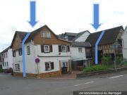 Titelbild Zwangsversteigerung kleines Wohnhaus und Scheunenanteil