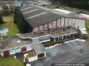 Titelbild Zwangsversteigerung Tennishalle mit Bistro und Wohnung