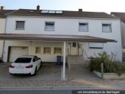 Titelbild Zwangsversteigerung Einfamilienhaus und unbeb. Grundstück