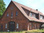 Wohnhaus mit Grünland