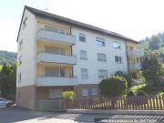 Titelbild Zwangsversteigerung 3 Wohnhäuser und 4 unbebaute Grundstücke