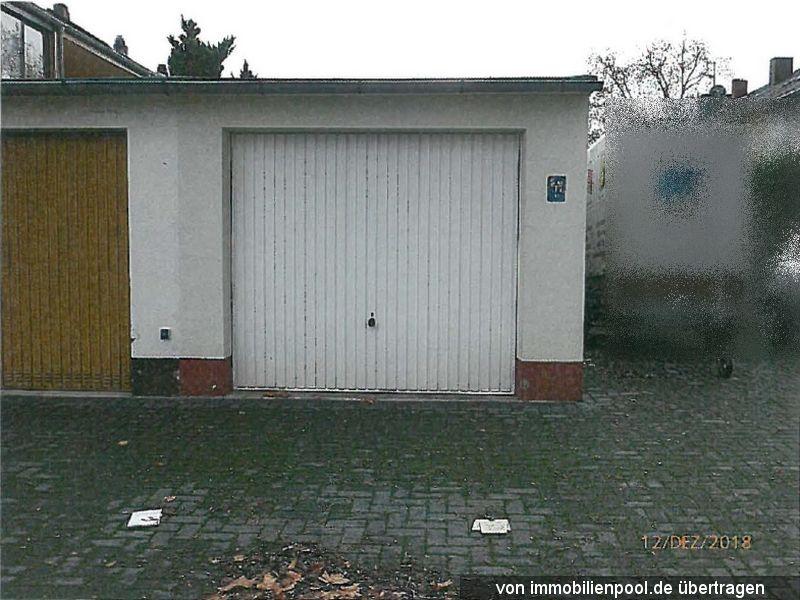 Zwangsversteigerung Garage mit Vorplatz