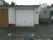 Garage mit Vorplatz