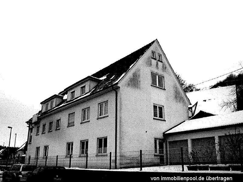 Titelbild Zwangsversteigerung Wohnung und Garage