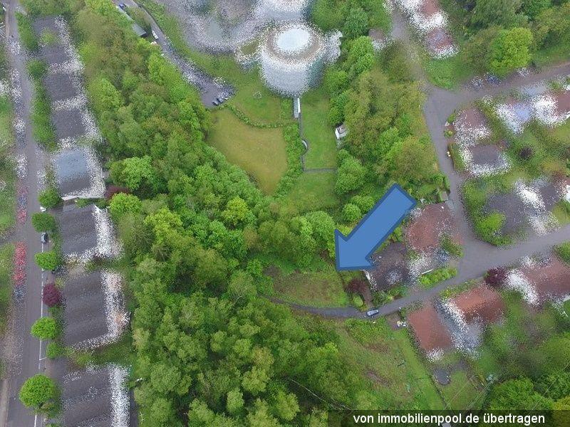Zwangsversteigerung Privatgarten und Wald-/Wegefläche