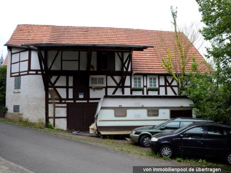 Titelbild Zwangsversteigerung Wohnhaus und Grundstück