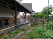 Carport und Garten