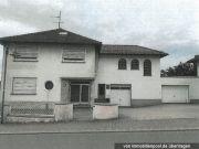 Titelbild Zwangsversteigerung Wohnhaus mit Produktionsgebäude