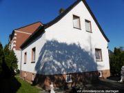Einfamilienhaus mit Nebenanlagen