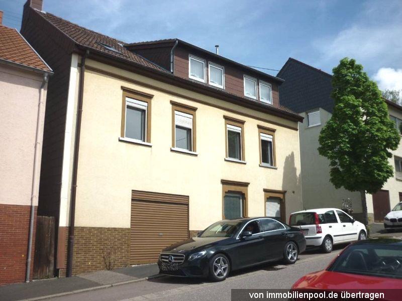 Zwangsversteigerung Wohnhaus mit Hofgebäude